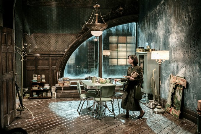 t-Shape-of-Water-Set-Design